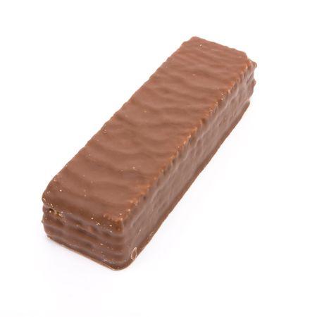 wafer: Cioccolato coperto biscotto wafer isolato su sfondo bianco.