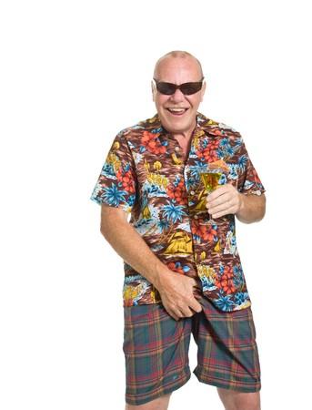 facial gestures: Anciano expresiva en concepto de vacaciones de camisa loud aislado contra blanco.