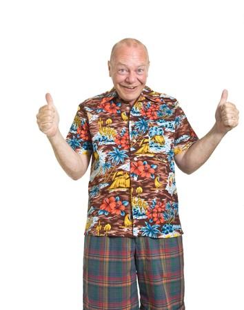 hombre calvo: Anciano expresiva en concepto de vacaciones de camisa loud aislado contra blanco.