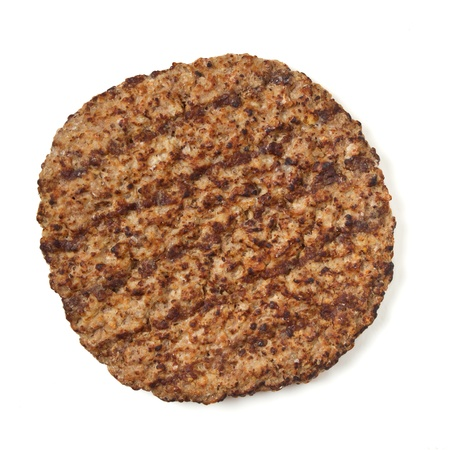 Viande hachée cuite patty isolée sur fond blanc