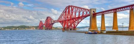 World famous Forth Rail Bridge spanning the Firth of Forth, Scotland. Standard-Bild