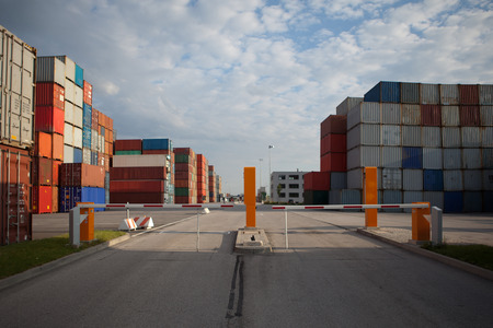 smuggling: composed many containers on haven