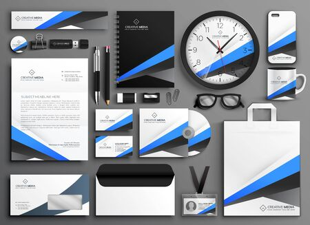 elegant Business Stationery Set in creative style with modern shape design Vettoriali