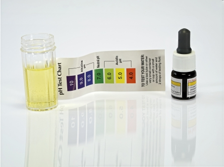 Ph ?do reactivo de prueba de agua ?da Foto de archivo - 20339458