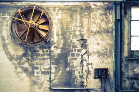 WnÄ™trze opuszczonej dzielnicy przemysÅ'owej Zdjęcie Seryjne