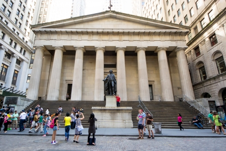 federal hall: New York City, USA-August 6, 2013 people take pictures of statue of George Washington outside  Federal Hall on Wall Street in New York City Editorial