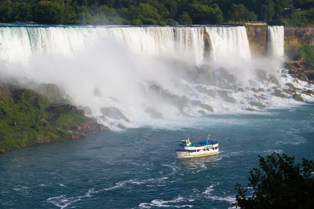 The Maid of the Mist tour boat headed towards Niagara Falls