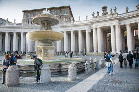 st  peter s square: Vatican city,Vatican city state - march 15,2014 more people and pilgrims in St  Peter