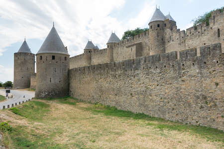 Carcassonne, France-august 15,2016: The famous walls of the fortified medieval city of Carcassonne during a sunny day Redactioneel