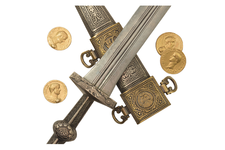 scheide: Isolierte Römischen Reiches Dolch und Denarii Münzen Repliken