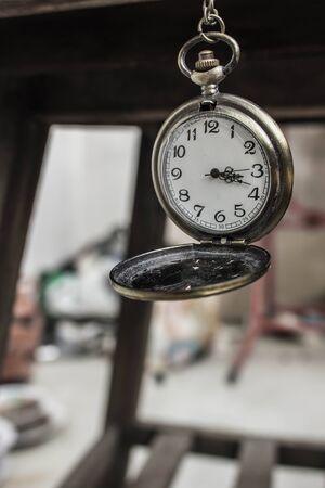 orologi antichi: Orologi antichi in stile classico. Archivio Fotografico