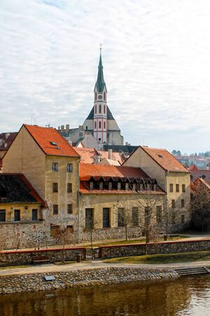 City landscape with view on river and St. Vitus Church in Cesky Krumlov. Czech Republic. 免版税图像