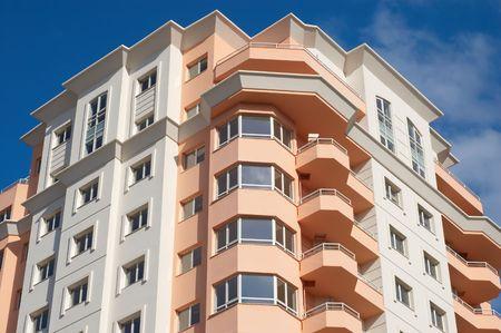construido s�lo bloque de apartamentos modernos, la casa  Foto de archivo