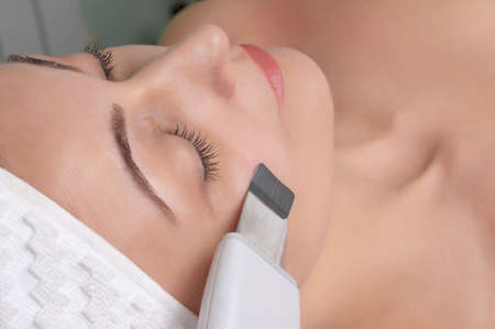 ultrasound skin cleaning Stock Photo