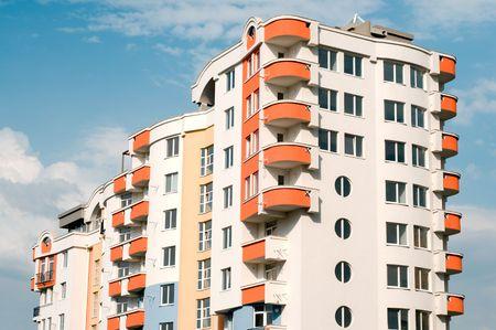 casi: casi acabados de lujo urbano nuevo edificio residencial  Foto de archivo