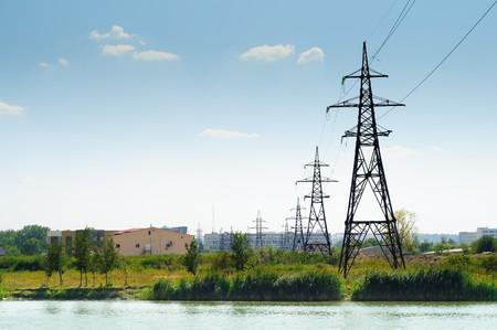 paesaggio industriale: panorama industriale, linee elettriche ad alta tensione