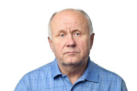rustige senior kale man geïsoleerd op wit Stockfoto