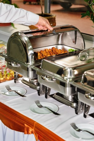 chafing dish: catering wedding