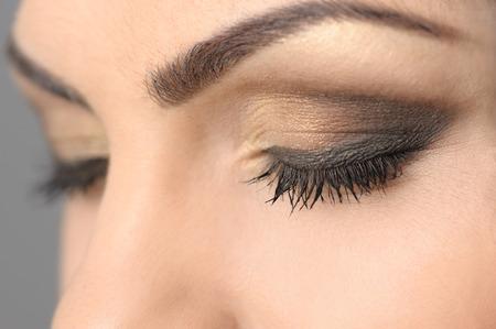Geschlossene Augen Smoky Make-up Nahaufnahme Standard-Bild