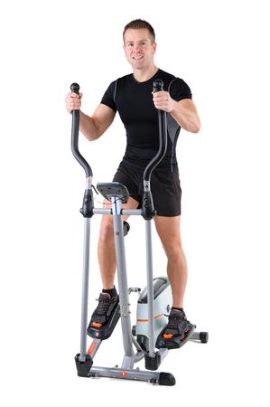 eliptica: ejercicios jóvenes lindo deportivo mujer haciendo con bicicleta elíptica, sobre fondo blanco
