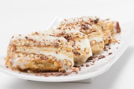 alimentos congelados: Semifreddo dessert with cookies and assorted nuts Foto de archivo