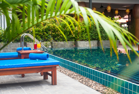 Reception and swimming pool of Thai hotel in Phuket Foto de archivo