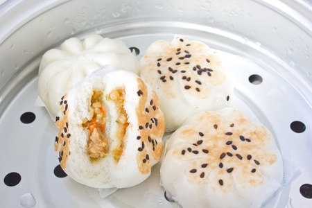 Steamed Pork Bun, Steamed chicken and Shrimp buns Stock Photo - 10814760