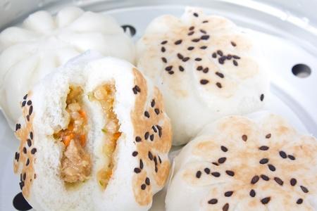 Steamed Pork Bun, Steamed chicken and Shrimp buns Stock Photo - 10814761
