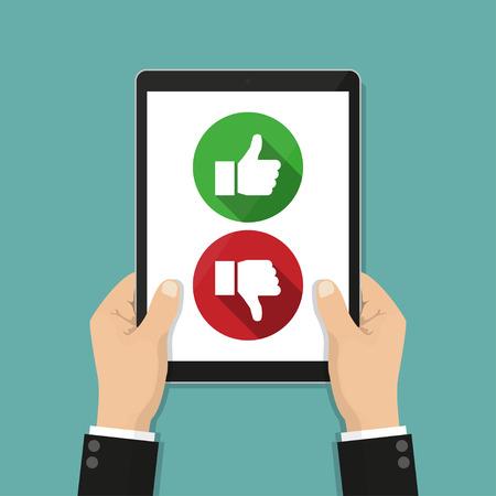 ウェブサイト評価フィードバックとレビューの概念。ようなタブレットと嫌悪感を持っている手
