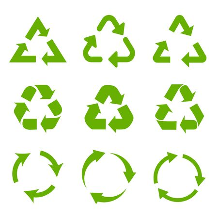 Set of green recycle arrows icons on a white background in a flat design Ilustração