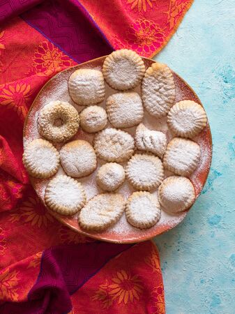 Holidays cookies Maamoul - Arab dessert usually made a few days before Eid al-Fitr, Easter, and Purim Holidays. Imagens