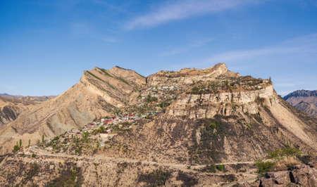 Gunib highland village placed on a mountain plateau in Caucasus Mountains. Alpine village Gunib. Republic of Dagestan, Russia Standard-Bild