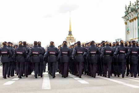 Russian palace: Russian women police marching on the Palace square Foto de archivo