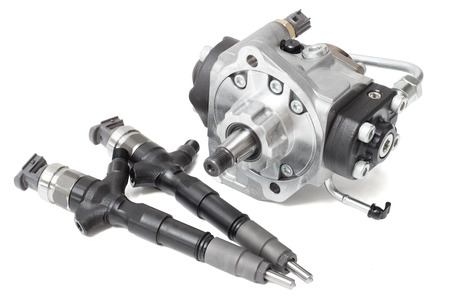 injectors for diesel fuel with the fuel pump are high davteniya and fuel strap on a white background Banque d'images