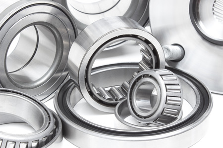 bearings: various bearings lie on a gray background