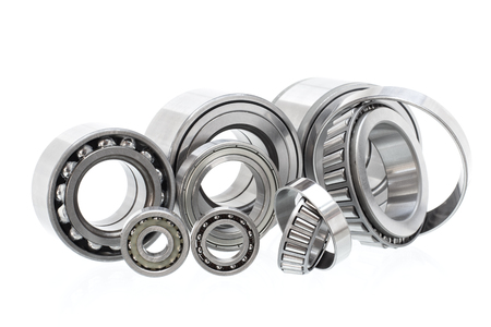 Group bearings and rollers (automobile components) for the engine and chassis suspension