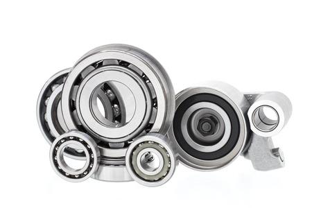 グループのベアリングやエンジンとシャーシの懸濁液のためのローラー (自動車部品)