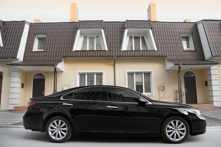Kiev, Ukraine - November 5, 2018: car Lexus ES 350 on the background of a private house Redactioneel