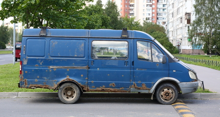 An old rusty van