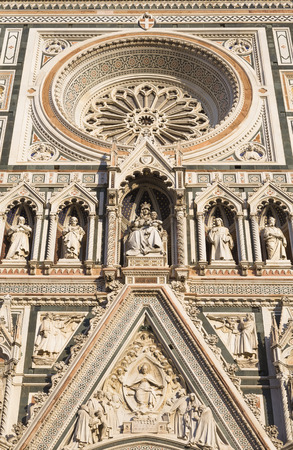 cattedrale: Detail of the facade of the cathedral Cattedrale di Santa Maria del Fiore. Florence. Italy