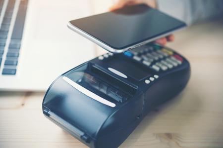 モバイル決済、オンライン ショッピング概念