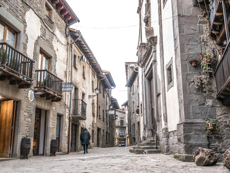 RUPIT, SPAIN - JANUARY 25, 2015: Rupit is a typical catalonian village in the county of Osona, Catalonia, Spain. 新闻类图片
