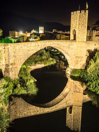 A night on the village of Besalu