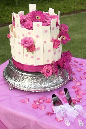 Torta de flores en un jardín de estilo boda Foto de archivo - 4493272
