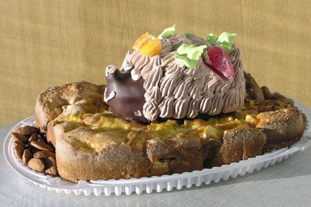 candied: Cake homemade made from ready pastries with candied fruit