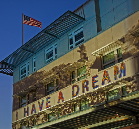immigrate: Political statement illuminated at US embassy in Berlin