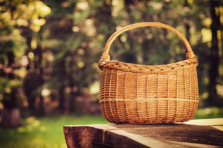 in the basket: Empty basket, outdoor