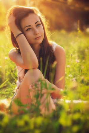 light brown eyes: Young girl outdoor