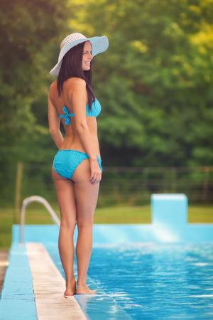 six girl: Beauty in bikini