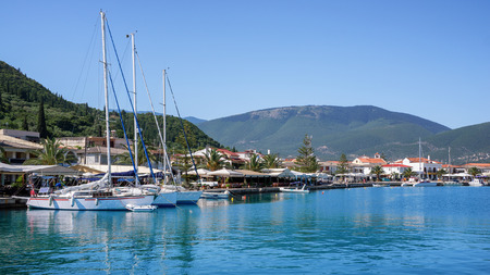 Kephalonia 섬, 그리스에서 사미 마을의 포트에서 사진